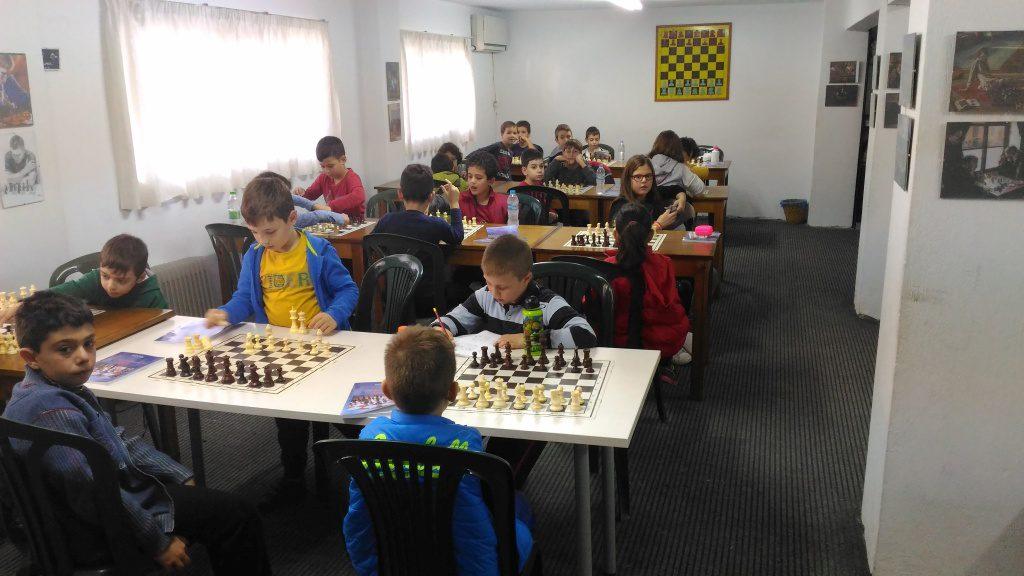ΕΕΣ Κορυδαλλού σκάκι αρχάριοι 2016